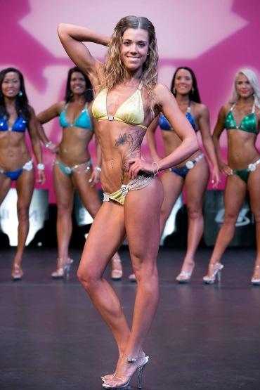 Sara Bikini